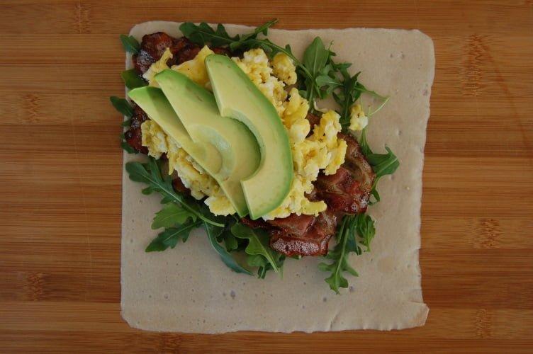 Paleo Ontbijtwrap met avocado