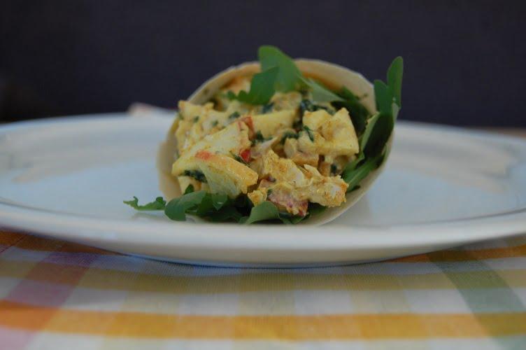 Paleo Wrap met kip-kerrie salade