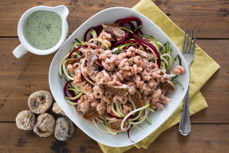 Courgette salade met garnalen en muntdressing