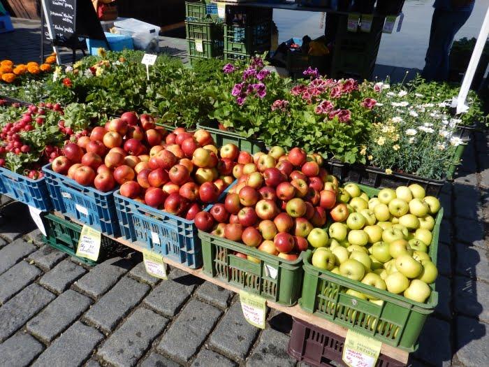 Naplavka markt