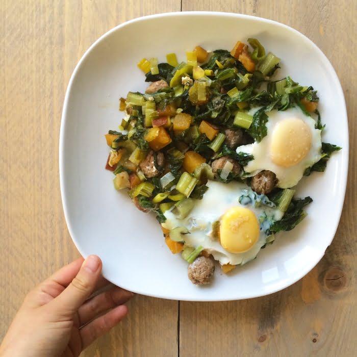 Supersimpel ontbijt met eieren en worst