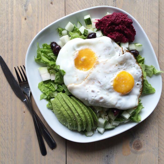 Salade met eieren en avocado
